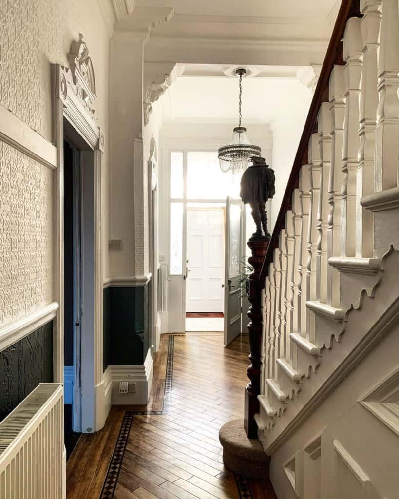 Ornate trim on the stairs