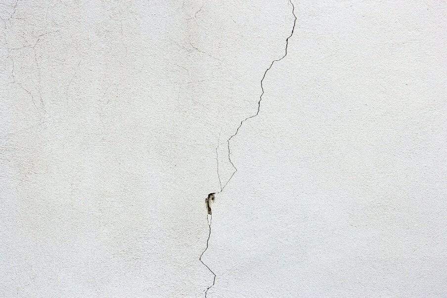 a crack in the wall render